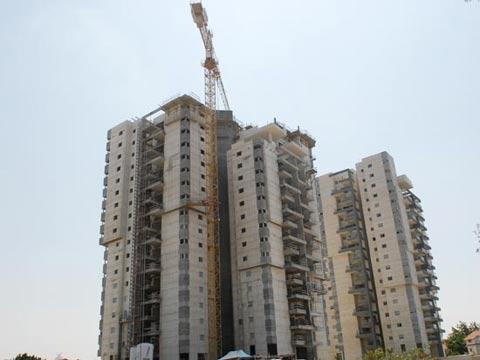 נדלן  מגורים נדל``ן בניה בנייה רוויה מגורים דירה דירות רב קומות / צלם: איל יצהר